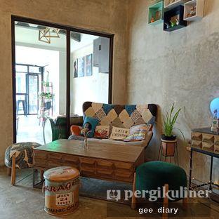 Foto 9 - Interior di Kona Koffie & Eatery oleh Genina @geeatdiary