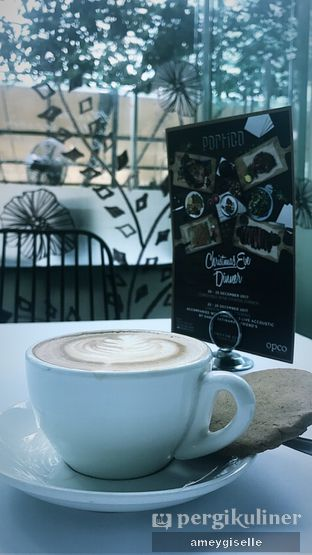 Foto review Portico Terrace Bistro oleh Hungry Mommy 1