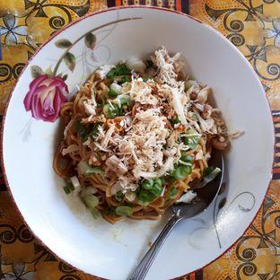 Foto 1 - Makanan di Mie Akup Ciateul oleh Eat Drink Enjoy