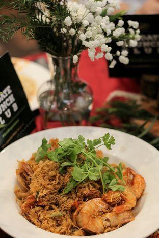 Foto 9 - Makanan di Meradelima Restaurant oleh thehandsofcuisine