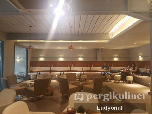 Foto 6 - Interior di Hiveworks Co-Work & Cafe oleh Ladyonaf @placetogoandeat