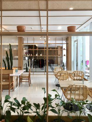 Foto 20 - Interior di Dailydose Coffee & Eatery oleh Prido ZH