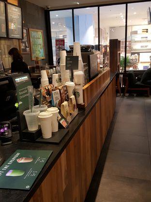 Foto 6 - Interior di Starbucks Coffee oleh Stallone Tjia (@Stallonation)