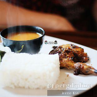 Foto 3 - Makanan(Paket Hemat (Ayam Bakar)) di Soto Bu Tjondro oleh Irene Fan