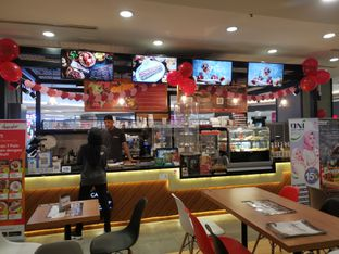 Foto 8 - Interior di Chocola Cafe oleh Angela Debrina