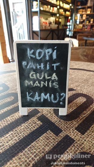 Foto 9 - Interior di Kopi Boutique oleh Jakartarandomeats