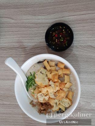 Foto 1 - Makanan di Bubur Hioko oleh UrsAndNic