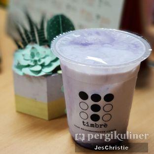 Foto 1 - Makanan(Taro Latte) di Timbre Coffee oleh JC Wen
