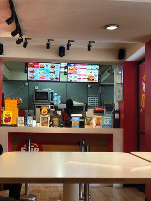 Foto 5 - Interior di Flip Burger oleh FebTasty  (Feb & Mora)