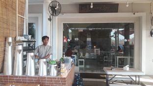Foto 2 - Interior di Kong Djie Coffee Belitung oleh Perjalanan Kuliner