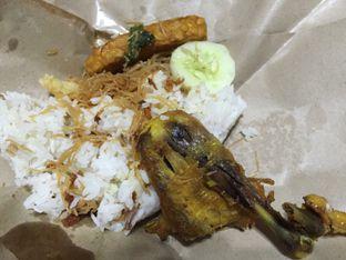 Foto 4 - Makanan di Nasi Uduk Favourite oleh Marsha Sehan