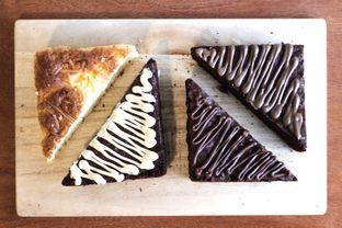 Foto 6 - Makanan(brownies) di Cupola oleh Zaky Bangun