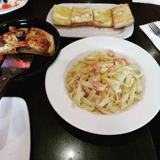 Foto review Pizza Hut oleh Indah Sari 1