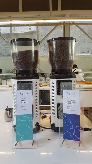 Foto 5 - Interior di Sejiwa Coffee oleh Yuli || IG: @franzeskayuli