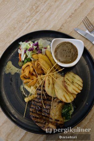 Foto 2 - Makanan di Divani's Boulangerie & Cafe oleh Darsehsri Handayani