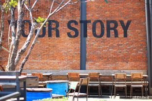 Foto review Two Stories oleh Athifa Rahmah 9