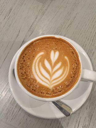 Foto 1 - Makanan di 1/15 One Fifteenth Coffee oleh Alfabetdoyanjajan