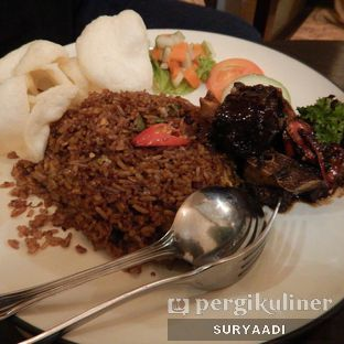 Foto 2 - Makanan(Oxtail Fried Rice) di Grand Father Coffee Shop oleh Surya Adi Prakoso