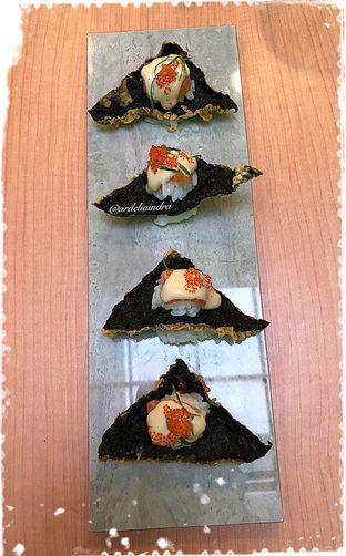 Foto 2 - Makanan(Salmon Nachos) di BAWBAW oleh Ardelia I. Gunawan