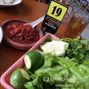 Foto 2 - Makanan(Lalapan & Sambel) di RM Asli Laksana oleh Chibiy Chibiy