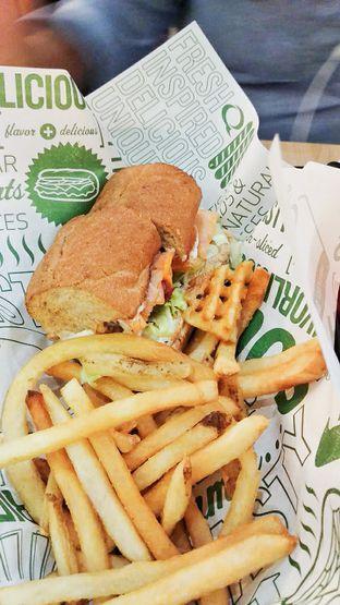 Foto 1 - Makanan di Quiznos oleh IG: biteorbye (Nisa & Nadya)