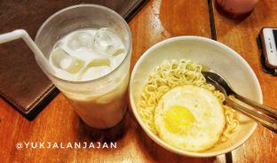 Foto 1 - Makanan di Warunk UpNormal oleh yukjalanjajan