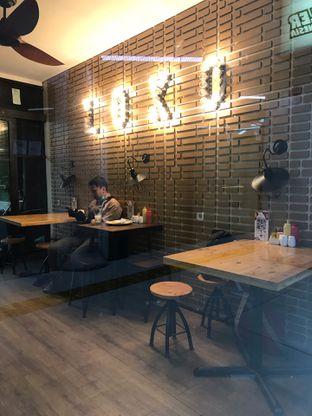 Foto 14 - Interior di Loko Cafe oleh yudistira ishak abrar