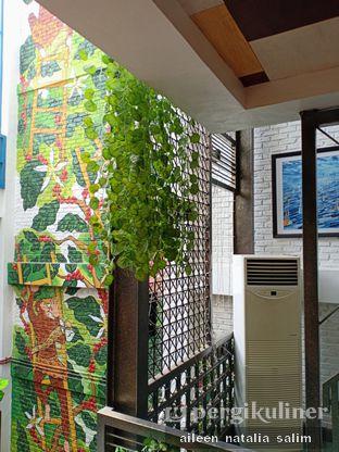 Foto 4 - Interior di Giyanti Coffee Roastery oleh @NonikJajan