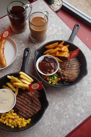 Foto 9 - Makanan di Steak Hotel by Holycow! oleh yudistira ishak abrar