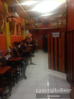 Foto 2 - Interior di Ayam Goreng Nelongso oleh zizi