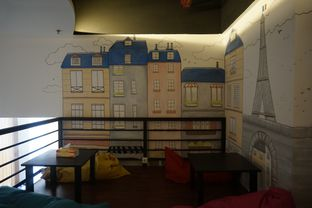 Foto 10 - Interior di Bruins Coffee oleh yudistira ishak abrar