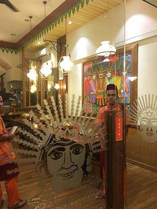 Foto 4 - Interior di Soto Betawi Bang Sawit oleh Yuni
