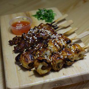 Foto 1 - Makanan(Yakitori Set A) di Shibuya Cafe oleh Buncit Foodies