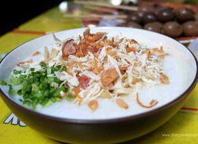 6 Bubur Ayam di Surabaya Enak dengan Porsi Super Banyak