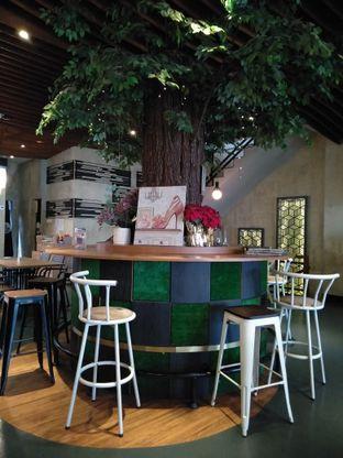 Foto 6 - Interior di De Cafe Rooftop Garden oleh yeli nurlena