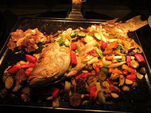 Foto 4 - Makanan(Ikan pedas) di Feast - Sheraton Bandung Hotel & Towers oleh meliricjourney