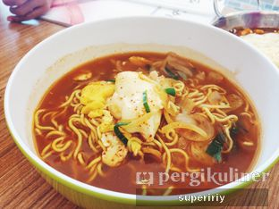 Foto 3 - Makanan(ramyeon) di Tteokbokki Queen oleh @supeririy