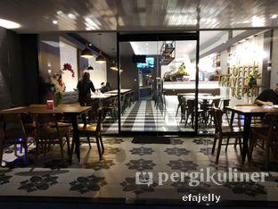 Foto 5 - Interior di Omaha Coffee & Eatery oleh efa yuliwati