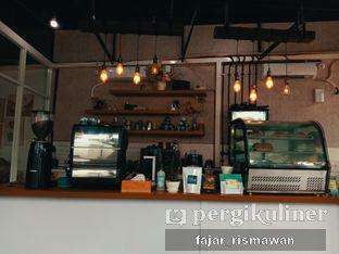 Foto 2 - Interior di Hailee Coffee oleh Fajar | @tuanngopi