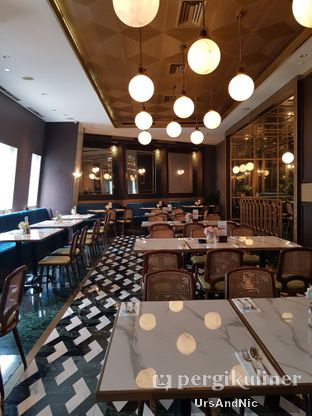 Foto 10 - Interior di Aprez Cafe oleh UrsAndNic
