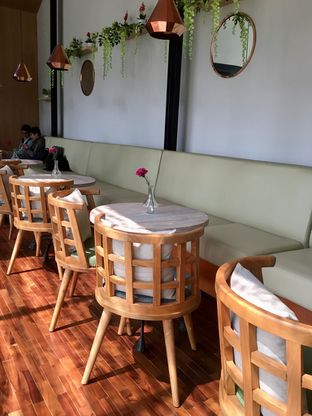 Foto 13 - Interior di Kode-in Coffee & Eatery oleh Prido ZH