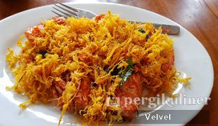 Foto 2 - Makanan(Udang Telur Mentega) di Pantjoran Tea House oleh Velvel
