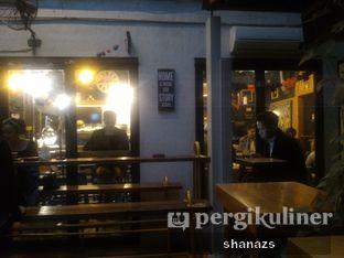 Foto 1 - Interior di Giyanti Coffee Roastery oleh Shanaz  Safira