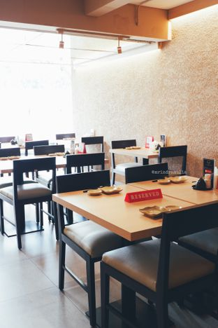 Foto 26 - Interior di Sushi Matsu oleh Indra Mulia