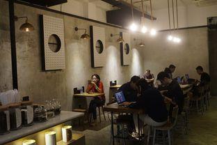 Foto 8 - Interior di Doma Dona Coffee oleh yudistira ishak abrar