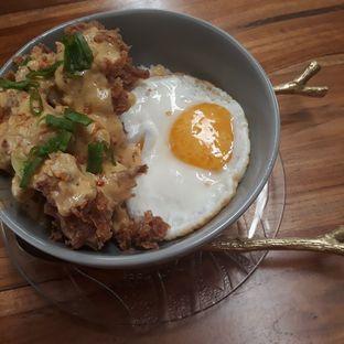 Foto 3 - Makanan(Salted Egg Fried Chicken ) di Bao Ji oleh Christy Monica