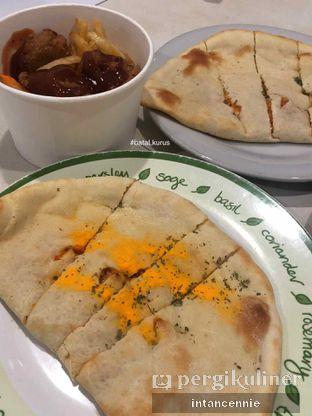 Foto 3 - Makanan di Master Cheese Pizza oleh bataLKurus