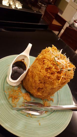 Foto 5 - Makanan(Tahu Telor) di Meradelima Restaurant oleh Avien Aryanti