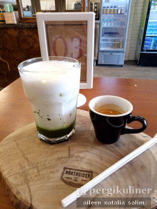 Foto 1 - Makanan(Ice Green Tea Coffee) di Northsider Coffee Roaster oleh @NonikJajan