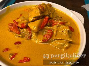Foto 2 - Makanan(gulai kepala ikan) di RM Pagi Sore oleh Patsyy